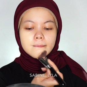 Repost tadi kena copyrights. Kalian prefer aku makeup bold/flawless?