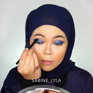 Tadi malem biru-biru. .Deets:- @shuuemura deep sea water- @makeupforeverid skin booster- @beccacosmetics priming backlight filter- @maccosmetics studio fix lqd foundation (nc 30)- @lorealindonesia infallible foundie (125)- @shuuemura face architect loose powder- @maccosmetics studio fix powder (nc 25)- @jafracosmetics cream blush (cashmere peach)- @narsissist liquid blush (luster).Eye and brows:.- @qlcosmetic eyebrow cream- @juviasplace the masquerade- @otwoocosmetics stellar romance.Contour,highlighter,blush:.- @roseallday.co sun slayer- @maybelline mster chrome (molten gold)- @eminacosmetics bitter sweet.Lips:.- @thebalmid- @sorchacosmetic lip glow (molana)
