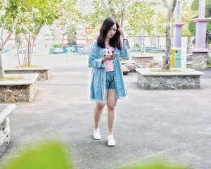 Lebih sering mikirin kamu daripada mikirin feeds instagram. Tapi... Aku sayang kamu, instagramku. . . . . . . #OOTDIndo #OOTD #clozette #clozetteid #cotw #lookbookindonesia #indonesiafashionlook #fashion #streetstyle #fashionstyle #lookbook #style #SmartOOTD #fashiongram #fashionblogger #streetstyle #ootdindonesia #outfitshare #outfitoftheday #BTIndFashion #Breaktimeid #ootdidku #indonesian_blogger