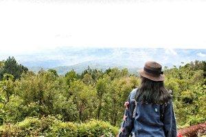 Lets see and decide. . . . . . . #mndaholiday #WisataIndonesia #exploreindonesia #explorejava #explorejogja #wanderlust #instatraveling #travelgram #travelpic #wanitatravelling #demendolan #indonesiarepost #weekendtraveler #traveling #holiday #yogyakarta #borobudur #idexplorer #redtraveler #clozette #clozetteid #travelhero #kitaina #WonderfulIndonesia #pesonaindonesia #ggrep #keluarbentar #yourtravelvoice #jogjaku #CreateMoments