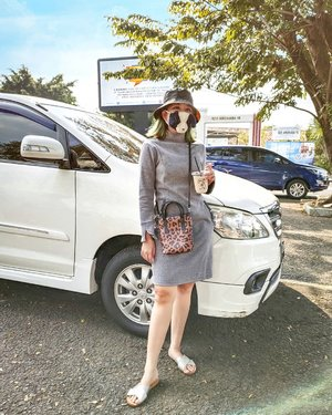 Today #OOTD buat jajan kopi di deket rumah 😛 I'm wearing leopard sling bag by @kamiyastuff2 with grey dress + bucket hat + doggie mask 🐶 + sendal teplek haha LOL  #stylingbyamandatydes