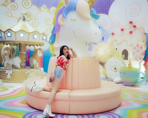 A very beautiful Unicorn Land 🦄i can meet 'real life unicorns' in Magical World of Unicorns #MOIUnicornLand @mallofindonesia i'm so happy! Look like a little girl 💞