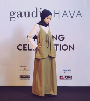 Opening Celebration of @gaudi_clothing & @havaid event report on my blog. My full outfit from @havaid � Go to [bit.ly/GaudiHavaOpeningCelebration] or click the link in my bio. #ClozetteID #GaudiVillers #HijabiFriend #HavaIndonesia #clozettebloggerbabes #clozetteambassador