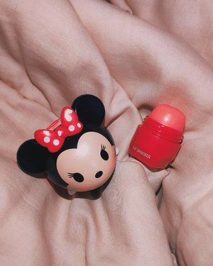 Never had the cutest lipbalm ever untilThis Minnie Mouse Tsum Tsum Lip Balm from @lipsmackerbrand. It is one of the best lipbalm that I've tried so far. It's has sheer pigmentation but smells and tastes so sweet.Not only it's sweet but it's also doing a great job in making my lips moisturized and hydrated so I don't easily get chapped lips.Super love😍 Minnie also is one of my favorite original Disney character. I got mine from my auntie who visited Japan last year.....#sociolla #soco #cchannelid #potd #potdindo #vscocam #vsco #vscophile #vscogrid #peoplescreatives #igdaily #instadaily #instastyle #fashionblogger #photooftheday #justgoshoot #vscogood #clozetteid #snapseeddaily #snapseed #photoshoot #exploretocreate #vscodaily #love #lipsmacker #minniemouse #tsumtsum #lipbalm