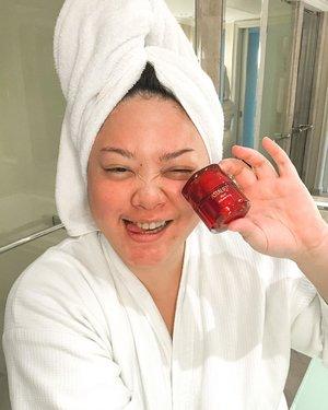 Yay seminggu ini aku coba produk baru dari @astalift_indonesia. Namanya Astalift Jelly Aquarysta, enak banget deh! Kulitku jadi kenyel kek jelly. Review lengkapnya nanti ku bahas tuntas di Blog ya!#AstaliftXClozetteID #AstaliftIndonesia #BeautyisScience #NewJellyAquarysta #ClozetteIDReview #ClozetteID