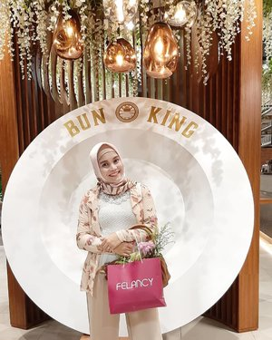 Arisan Cantik SMIDSelain kocok arisan, Talkshow Healthy Sex for Happy Marriage by dr Ferry Darmawan, SpOG.Shopping Race with Felancy (via website) & games, Jenius Presentation, Flower DIY Workshop by Unicorn dan Doorprize@felancy_intimate@jeniusconnect@milkita_indonesia@meltscookies.id@swissvita.id@flanel_busybook@de_la_mere@helperindonesia@smartmumsid#ArisanCantikSMID#UnicornxFelancy#FelancyIndonesia#JeniusConnect#SmartMumsID#ClozetteID