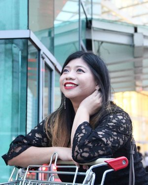 Dari sekian banyak foto~ Selalu sikok doank yang bagus 🤣🙈 📸 @min21tan . . . #JFW2020 #lifestyle #fashion #luseechinootd #blogger #lifestyleblogger #instablogger #canonasia #canonindonesia #soconetwork #clozetteid #socialmediasupporters #socialmedia