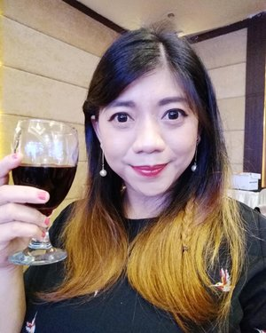 🍷 . . . Hope can join #theateroftaste too 😍 . . . #lifestyle #blogger #wine #redwine #all #occassion #event #lovely #clozetteid #SOCOnetwork #enjoylife