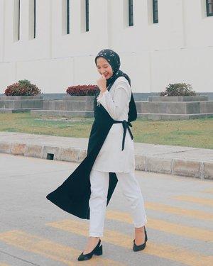 -Ayoookk semangattt udah mau masuk minggu ke 3 puasa yihiiiiieeew 💃🏻-#ootd #hijabootd #clozetters #clozetteid #instalook #hijablook #bloggerlife