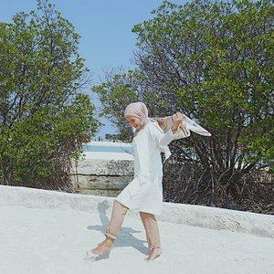 -kaum kaum bosan, yg mencoba menghibur diri dengan lihat koleksi foto dan video liburan.-🌴🌴🌴🌴🌴🌴🌴🌴#clozette #clozetteid #pulauharapan