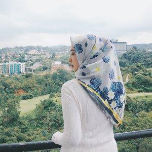 -just keep being you is the best way !-#clozetteid #clozetters #scarf #ceannascarves #hijabworld #clovegardenhotel #bandung #triptobandung #explorebandung #vsco #teamvsco #canon #teamcanon #parisvanjava #im3ooredoosnap