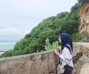 -Ngeliat dari jauh aja aku seneng gimana ngeliat dari deket 😍 ohhh pantaaaiiiii-#Bali #PantaiPandawa #PandawaBeach #ExploreBali #hijabootdindo #clozetters #clozetteid #halobali #visitbali #visitindonesia #bestculture #bestbeach #ubud #jimbaran #nusadua #denpasar #kuta #hijabtraveller #BaliIndonesia