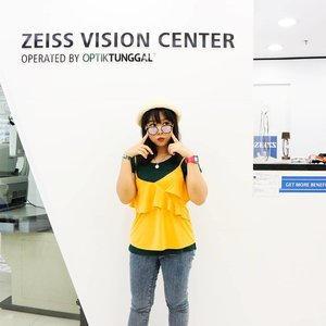 When blinding boys are passing by 👀 . Glasses @optiktunggal . . . . . #style #sbybeautyblogger #coordinates #blogger #beautyblogger #clozetteid #indonesiablogger #indonesiabeautyblogger #bloggerindonesia #ootd #surabayabeautyblogger #beautybloggersurabaya #ootdindo #coordinate #sbyblogger #bloggerceria #ootdid #sociollablogger #sociollabloggernetwork