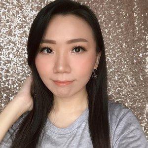 Lagi suka pake lip gloss ☺️🧡 Kalian tim mana ? #lipmatte atau #lipgloss ? . Using @esqacosmetics x bcl finesse 🧡 . @indobeautygram @beautybloggerindonesia  #indonesianbeautyblogger #beautybloggerindonesia #lucyliublog #beautiesquad #kbbvmember #sociollabloggernetwork #beautyblogger #clozetteid #charisceleb #bunnyneedsmakeup #undiscoveredmuas  #bloggermafia #beautiesquad #beautybloggerid #bvloggerid #ivgbeauty #bloggerceria #sbybeautyblogger #beautychanellid #indobeautysquad #setterspace #beautygoersid #beautynesiamember #bloggerperempuan #femalebloggers #itsbeautycommunity #beautyranger