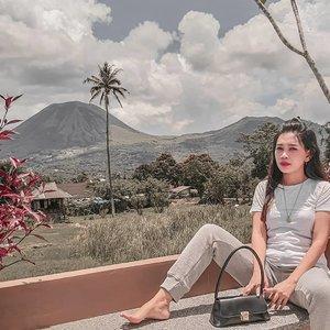 Escape the ordinary#vibes #wonderfulindonesia #view #ootd #clozetteid