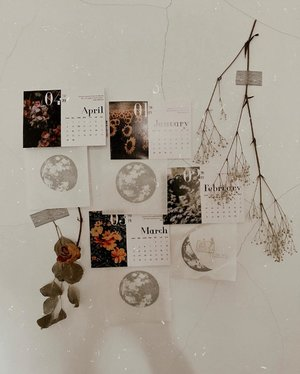 inspiration wall themed: moon and months...#clozetteid #listenindadailyjournal#travelphotography #nature #aesthetic #photography #bloggerperempuan #flowers #flowerstagram #flowerphotography #flowerpower #thoughts #qotd #shortstories #quotes #moonphases #quotestoliveby #poetic #lifestyleblogger #blogger