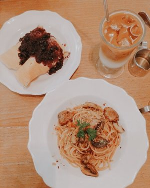 Nanny's Pavillon review now up on my food blog http://nindarahadi.com Review rating: ⭐️⭐️⭐️⭐️⭐️ from 5 . . . . . . . . #clozetteid #listenindadailyjournal #travelphotography #photography #surabayafoodblogger #bloggerperempuan  #cullinaryreview #shortstories  #foodblogger #foodporn #foodies #surabayafoodies #coffee #coffeetable #lifestyleblogger