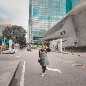 Di china gue kemana mana naik taxi dan jalan kaki karena ga tau naik bus gmn.. Dah lah kantong jebol wkwkwk Hari terakhir doang yg naik2 bus sok tau 😂 . . . #khansamanda #khansamandatraveldiary #clozetteid #wonderful #beautifuldestinations #travel #travelphotography #travelblogger #indonesiatravelblogger #travelgram #womantraveler #travelguide #travelinfluencer #travelling #wonderful_places #indtravel #indotravellers #bestplacetogo #seetheworld #solotravel #ootdplussize #ootdbigsize #plussizeindonesia #plussizefashion #plussizemodel #china #guangzhou #guangzhouoperahouse