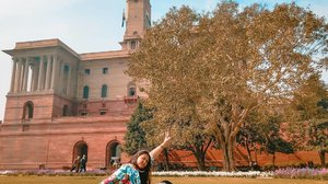 Gaya begini bulan februari mah syahdu.. Lah coba bulan juni or juli.. Kalo ga meleleh jago lu 😂 India oh India . . . . #khansamanda #khansamandatraveldiary #clozetteid #wonderful #beautifuldestinations #travel #travelphotography #travelblogger #indonesiatravelblogger #travelgram #womantraveler #travelguide #travelinfluencer #travelling #wonderful_places #indtravel #indotravellers #bestplacetogo #seetheworld #solotravel #ootdplussize #ootdbigsize #plussizeindonesia #plussizefashion #plussizemodel #china #newdelhi #india