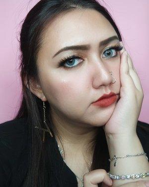 Kira kira kapan si COVID #ANJAY ini berakhir???!!! Gue kangen kehidupan normal #anjir !............#clozetteid#femaledailynetwork#khansamanda#sociollabloggernetwork#theshonetinsiders#beautybloggerid#beautybloggerindonesia #indobeautygram#indobeautysquad #100haringontenwithibc#beautyblogger#beautysocietyid #clozetteambassador#beautyinfluencer #ivgbeauty#cchannelbeautyid#rahasiacantik #beautynesiaid#beautynesiamember #explorepage #explore