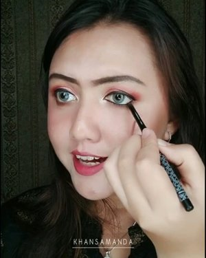 Eye makeup merah merah yg sedang akyu sukaaaa 😍😍Detail menyusul yaaa gengss. Lagi kondangan 😂😂........#clozetteid#khansamanda#lemoninfluencer#beautybloggerindonesia#beautyblogger#jakartabeautyblogger#makeupartist#makeuptutorial#tampilcantik#ragam_kecantikan#browtutorial#rahasiacantik#indobeautygram#beautytips#tiktokers#tiktokindonesia#indobeautyvlogger#eyebrows#ivgbeauty#cantiknaturalindo#wakeupandmakeup#motd#dandancantik#makeuplook#makeupvideos#makeover#lipsyncwithhanum@cantiknaturalaja@cantikjelita.id@cantiknatural.indo@zonacantikwanita@ragam_kecantikan@ragam_cantik@inspirasi_cantikmu@indobeautygram@indobeautysquad@tipsmakeup_id@elpeach_beauty@bunnyneedsmakeup@idetampilcantik@tampilcantik