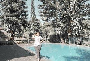 Weekend vibes! 😎 Thank God Its Friday . . . #khansamanda #khansamandatraveldiary #clozetteid #wonderful #beautifuldestinations #travel #travelphotography #travelblogger #indonesiatravelblogger #travelgram #womantraveler #travelguide #travelinfluencer #travelling #wonderful_places #indtravel #indotravellers #bestplacetogo #seetheworld #solotravel #ootdplussize #ootdbigsize #plussizeindonesia #plussizefashion #bogor #puncak