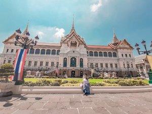 One fine day in Bangkok 🇹🇭❤.......#khansamanda#thailand#bangkok#wonderful#beautifuldestinations#khansamandatraveldiary#travel#travelphotography#travelblogger#indonesiatravelblogger#travelgram#womantraveler#travelguide#travelinfluencer#travelling#wonderful_places#indtravel#indotravellers#exploreindonesia#bestplacetogo#seetheworld#solotravel#clozetteid#grandpalace
