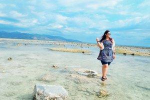 Please.. Bring me back to #Lombok 😢🌊🌴🌅💖 . . . . . . . . . . #khansamandatraveldiary #khansamanda #clozetteid #clozetteambassador #beautynesiamember #travel #lombok #gilitrawangan #giliisland #beautifuldestinations #explorelombok #exploreindonesia #travelblogger #beautyblogger #youtuber #youtuberindonesia  #plussize #beach #indonesia #plussizemodel #backpacker #plussizeindonesia #bigsizeindonesia #ootdbigsize #ootdplussize #likeforlike