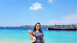 Beautiful island 😍😍😍 . . . . #khansamandatraveldiary #khansamanda #clozetteid #clozetteambassador #plussize #beach #gilitrawangan #lombok #lomboktrip #explorelombok #exploreindonesia #beautifuldestinations #indonesia #plussizemodel