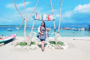 Life is good baby💖💖💖 . . . . . . . . . . #khansamandatraveldiary #khansamanda #clozetteid #clozetteambassador #beautynesiamember #travel #lombok #gilitrawangan #giliisland #beautifuldestinations #explorelombok #exploreindonesia #travelblogger #beautyblogger #youtuber #youtuberindonesia  #plussize #beach #indonesia #plussizemodel #backpacker #plussizeindonesia #bigsizeindonesia #ootdbigsize #ootdplussize #likeforlike