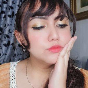 Ikan hiu makan kerapuI love you 3000😂😂Jarang jarang pakai eyeshadow kuning wkwk...............#clozetteid#femaledailynetwork#khansamanda#sociollabloggernetwork#theshonetinsiders#beautybloggerid#beautybloggerindonesia#indobeautyvlogger#indobeautysquad#100haringontenwithibc#beautyblogger#beautysocietyid#clozetteambassador#beautyinfluencer#ivgbeauty#cchannelbeautyid#rahasiacantik#beautynesiaid#beautynesiamember