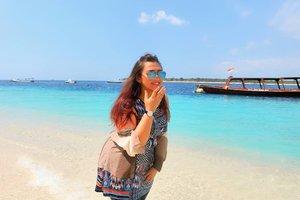 Dear Lombok, I love you ❤Wish to come back very soon with someone i love 😂😂😂#dearfuturehusband Wkwkwk ..........#khansamandatraveldiary #khansamanda #clozetteid #clozetteambassador #beautynesiamember #travel #lombok #gilitrawangan #giliisland #beautifuldestinations #explorelombok #exploreindonesia #travelblogger #beautyblogger #youtuber #youtuberindonesia  #plussize #beach #indonesia #plussizemodel #backpacker #plussizeindonesia #bigsizeindonesia #ootdbigsize #ootdplussize #likeforlike