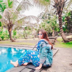 Selamat hari senin..❤Jangan lupa senyum, siapa tau 2020 ketemu jodoh krn senyum.. Khaannn... 😂.........#clozetteid #khansamanda #lemoninfluencer #beautybloggerindonesia #beautyblogger #ootdplussize #ootdbigsize #plussizeindonesia #plussizefashion #bigsizeindonesia #bigsizefashion #plussizemodel #curvygirl