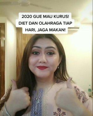 Di saat gue bilang ke keluarga gue kalau di tahun 2020 ini gue punya resolusi untuk jadi kurus wkwkwkwkwkwkwkwkwk..........#khansamanda #clozetteid #tiktokindonesia #tiktok #tiktokers #tiktokmemes #indovidgram #dagelan #awreceh #curvygirl #funnyvideos #prank #indonesian @indovidgram @avvreceh.id @dagelan #9gag @9gag #