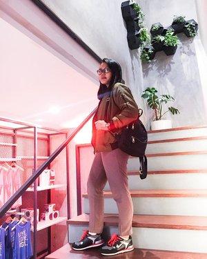 Sebelum badan di koyak di @hustlehouse.id 🏋 thank you caa @prapancadf udah diajakin join #SUNSETFIT disini.. 😘 - #clozetteid #clozette #ootd #workout #eagleshoes #MeAndBerrybenka #berrybenkalook #KiniKamuBanget #ootdid #girls