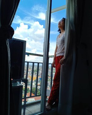 Take a breath and forget it all ☁️💫 - #photo #photooftheday #ShootOnOppoF9 #OppoF9 #view #apartment #clozette #ClozetteID #jakarta #girls #indonesia #saturday #bluesky #sky #clearsky #love #like