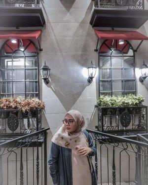 💬💬💬 I don't have any idea. I just want post ☺....#heavenlights #umrohwithhl #hlladies #hlraya2020 #eidwithhl #heavenlightscustomer #inlovewithhl #clozette #clozetteid #hijabfashion #hijabstyle #lb #style #hijabers #hijabista #hijabootd #hijabootdindo #lookoftheday #lookbook #fashion #style #lb #jktspot #jktspotphoto #indotravellers #indotraveller #indotravel #travelphotography
