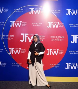 JFW Day 6, always amazing to @pvra.official present the New Collection ✨__________________________#PvraJFW2020#JakartaFashionWeek #JFW2020 #Clozette #Clozetteid #ootd#FashionWeek #Fashion