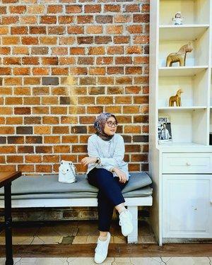 Kelihatannya saja cuek, acuh, tapi ternyata kasih sayangnya begitu besar 🤗🤗-....#clozette #clozetteid #heavenlights #umrohwithhl #hlladies #hlraya2020 #eidwithhl #heavenlightscustomer #inlovewithhl #hijabfashion #hijabstyle #lb #style #hijabers #hijabista #hijabootd #hijabootdindo #lookoftheday #lookbook #fashion #style #lb #jktspot #jktspotphoto #indotravellers #indotraveller #indotravel #travelphotography