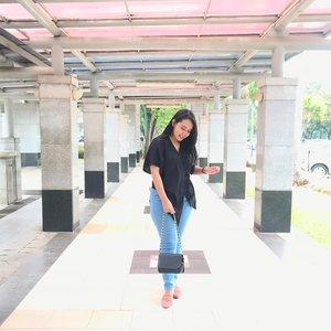 Sendiri aja, maunya juga si berdua! Tapi kalo diduain nanti dulu deh *ehh 🙈🙊 // 👗 @shopataleen // 📸 @melidanfiz - #aleenlook #ootd #ootdid #Clozette #ClozetteID #fashion #sunday #outfit #jakarta #photo #ggrep #lookbook #lookbookindonesia #girls #black #kimono