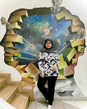 Nyender dimural dulu yaa sebelum nyender dikamu ☺️☺️Wearing👖 Lora Pants in Black by @heaven_lights -#hlladies #hlmonthlygiveaway #setiabersamahl #ootdwithhl #heavenlightscustomer #heavenlights #hlpremiumscarf #lorapants #malikascarf #clozetteid #clozette #iphone #shotoniphone #iphonesia #lb #like