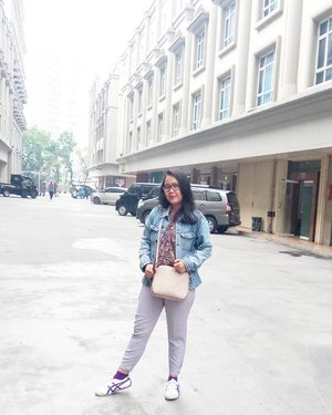Today's mood! Wearing pants from @thisisapril_ and bags from @enji.id - #iamwearingTIA #maugayaitugampang  #clozette #clozetteid #ootd #ootdid #girls #photo #fashion #like #love #morning #lookbook #lookbookindonesia #denim #look #lookoftheweek #ceritagaya