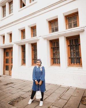 Jalan-jalan ke Kota Tua..Bukan pantun, emang lagi jalan-jalan ini ke Kota Tua 😋😂Wearing👗Knit Blue @haideeorlin x @bahjatina #haideeorlinxbahjatina , berasa feminimnya 💙💙-#ootd #clozette #clozetteid  #hijabfashion #hijabstyle #lb #style #hijabers #hijabista #hijabootd #hijabootdindo #lookoftheday #lookbook #fashion #style #lb #jktspot #jktspotphoto #indotravellers #indotraveller #indotravel #travelphotography #haideeorlin #haideeorlinootd