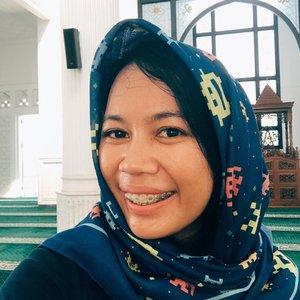 Kemarin seharian keliling wisata masjid di Jakarta pake scarf yang multifungsi: bisa jadi kerudung juga dari @minimons.bydindajou ..#selfie #kerudung #minimons #clozetteid #lifestyle #morninglikethis