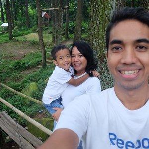 The apples of my eyes 💕💕 . . . #weekendgetaway #keluargaindonesia #clozetteid #lifestyle #sentul #gunungpancar
