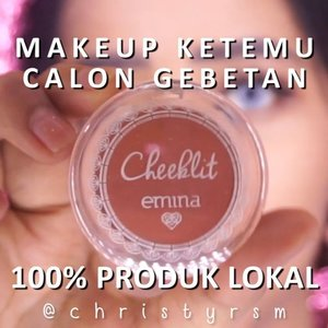 [MAKEUP KETEMU CALON GEBETAN 100% PRODUK LOKAL]⁣⁣Heyo Beauties! Sudah ketemu dengan gebetanmu? Kalau belum, bersiaplah karena kita nggak tau kapan akan ketemu calon gebetan kita itu hehe 🤣⁣⁣Produk yang aku gunakan disini pun 100% produk lokal yang bisa kalian dapatkan dengan mudah. Produk yang aku gunakan:⁣👦 @eminacosmetics Pore Ranger⁣👦 @wardahbeauty Foundation (Neutral)⁣👦 @madformakeup Fluffy Fluffy Monster Blender⁣👦 Emina CC Cake (Latte)⁣👦 MAD Incredibrow (Ash)⁣👦 Wardah Eyeshadow (Classic)⁣👦 Wardah Eyeliner Black⁣👦 Wardah the Volume Xpert Mascara⁣👦 Wardah Loose Powder⁣👦 Emina Cheeklit (Sugarcane)⁣👦 @reinedoll Brush Blush⁣👦 Emina Lip Cushion (Pink & Peach) PARAH INI BAGOES BGT BUAT OMBRE⁣👦 @pixycosmetics Aqua Beauty Mist⁣⁣🎵 NIKI - move!⁣⁣#ivgbeauty #dwiendahpusparini #tampilcantik #tips_kecantikan #eggabatch3 #bunnyneedsmakeup #cchannelbeautyid #tutorialmakeuplg #clozetteid #88rising