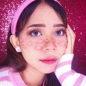 Hai! Menurut kalian cinta itu apasih? 🤔 I don't know why but that question randomly appears from my small brain he he. • #makeup #valentineday #pinkmakeup #clozetteid #bunnyneedsmakeup #tampilcantik #ivgbeauty
