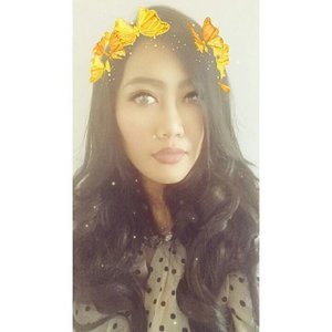 My hair is getting longer. ���� But is so hot weather, i wanna cut it 😂😂😂 #selca #selfie #instalike #likeforlike #like4like #tagsforlikes #clozetteid #makeup #snapchat