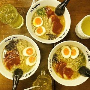 Today dinner with piggy girls.. :3 nom nom nom.. #foodgasm #foodish #ikkudoichi #ramen #pork #food #foodporn #lekker #potd #clozetteid #pictureoftheday #instalike #likeforlike #like4like #vscocam #vscoluv #tagsforlikes