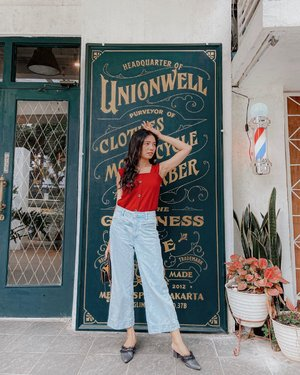 Dress well. Good mood. Perfect Day 😊 Ps. Tenang udah cukur bulu ketek 😂  . . . . . . . #clozetteid #mood #ootd #whatiwore #outfit #photooftheday #latepost #lookbookjakarta #look #summervibes #summer #blogger #fashion #style